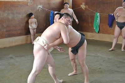 濱洲vs牛島.jpg